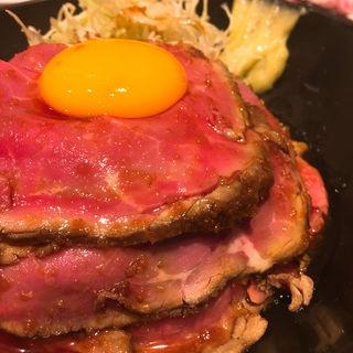 レアローストビーフ丼(the 肉丼の店 )