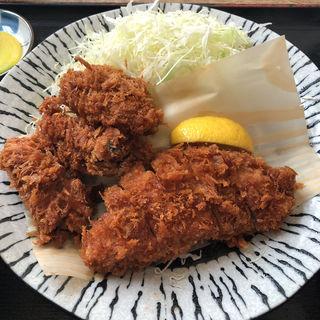 カキフライとロースカツ定食(こだわりとんかつ播 )
