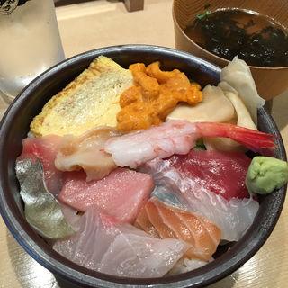 うにと気まぐれ海鮮丼(寿司・中国料理 福禄寿)
