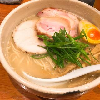 鶏チャーシュー麺(臥龍 (がりゅう))