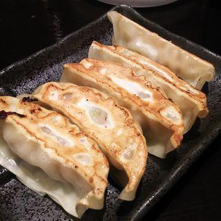 肉汁鶏餃子(5ヶ)(麺屋 武一 アトレ川崎店)