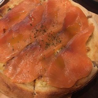マルゲリータチーズまみれサーモンとタルタルチーズetc ピザ各種(An (アン))