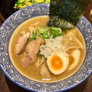 濃厚鶏白湯らーめん醤油 味玉入り(与力屋 八丁堀店)
