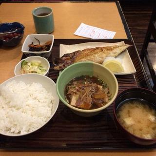 焼き鯖と肉豆腐定食(升亀 品川店 (マスカメ))