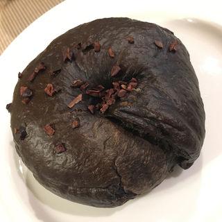 ダブルチョコカカオチップ ベーグル(ローズマリーベーグル)