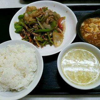 ししとうと豚肉の炒め定食(中国北方料理 知味観 )
