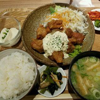 ばかうま南蛮定食(七色食堂)