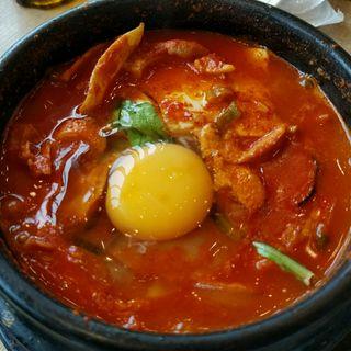 牛スジスンドゥブ(韓国料理 bibim' KITTE博多店)