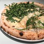 西武新宿駅近辺で食べたい、おすすめのこだわりのピザ8選
