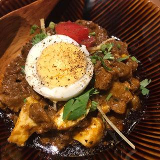 粗挽きポークと卵カレー(カッチャル バッチャル )
