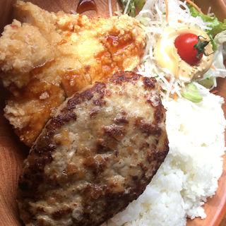ハンバーグ&若鶏の醤油香り揚げ(びっくりドンキー 一宮バイパス店 )