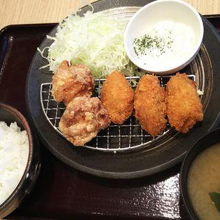 唐揚げ牡蠣定食(大)(からあげ とり多津 鹿島田店)