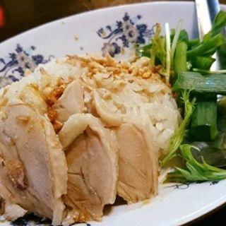 Aセット(生麺フォーと蓮茶と海南チキンライスのセット)(ビンミン 東京支店 (BINH MINH))