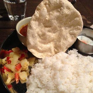 チキンカレー(ラトナ カフェ (Ratna Cafe))