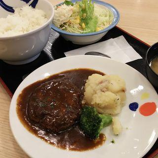 北欧風シチューハンバーグ定食+ポテトサラダ(松屋 川崎西口店 )