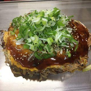 牡蠣入り (豚肉・玉子入り)(ひろしま本店 (ひろしまほんてん))