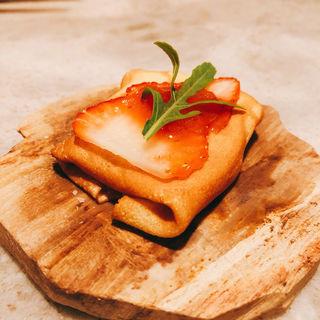 甘くないイチゴのクレープ(kiki (キキ))