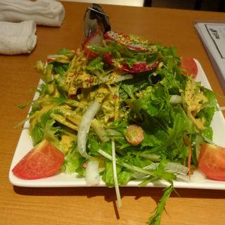 地場産野菜のグリーンサラダ(横濱頂食堂 (ヨコハマイタダキショクドウ))