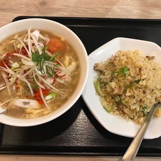 ぷりぷり海老&完熟トマトのサンラータン麺 (チャーハン達人 北砂店 )
