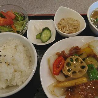 酢豚のランチ定食(金竜 )
