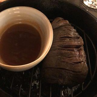 ダッチオーブンで作る黒毛和牛の瞬間燻製(nakameguro 燻製 apartment)
