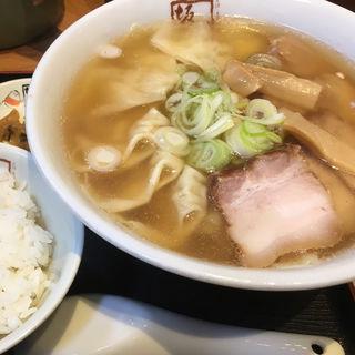 喜多方わんたんラーメン(喜多方ラーメン 坂内 池袋サンシャイン店 (ばんない))