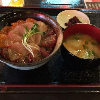 海鮮丼定食(居酒屋 ぎょっぷ )