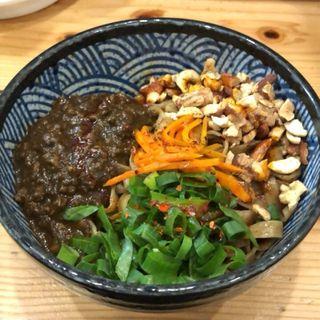 汁なし超あらびきキーマカレー担担麺(青二犀 (アオニサイ))