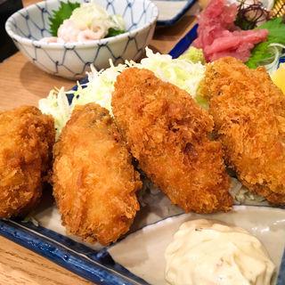 カキフライ(丸冨水産 目黒店 (丸富水産、まるとみすいさん))