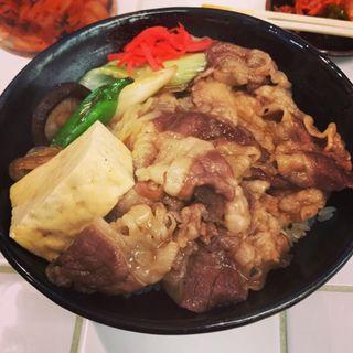 上牛すき焼き丼(肉のヤマキ商店)
