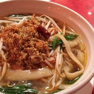 台湾刀削麺(京華茶楼 麹町2号店 (ケイカサロウ))