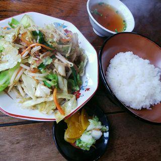 肉野菜炒め  半ライス(横浜ラーメン )