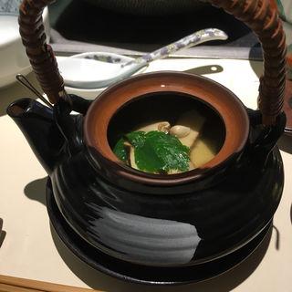 松茸の土瓶蒸し(梅の花 百道店 (うめのはな))