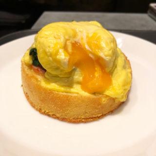 エッグベネディクト(カフェ ベネ 赤坂一ツ木通り店 (caffe bene))