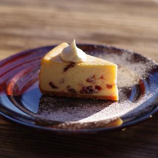 クランベリーとレーズンのチーズケーキ(パーランド (parland))