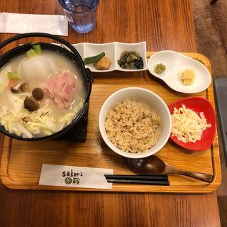 三元豚とカブの生姜豆乳定食(sakura食堂)