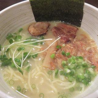 塩ベースの博多一番鶏 白湯ラーメン(いち)
