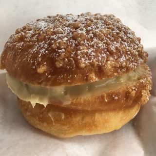 きび糖のクリームパン(ブルージャム)