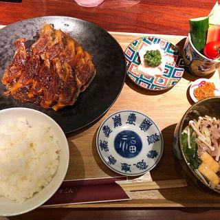 餃子定食(餃子ごずこん)