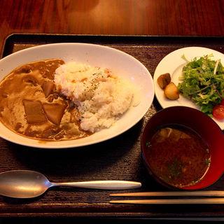 牛すじ煮込みカレー(ミーサンキッチン (33kitchen))