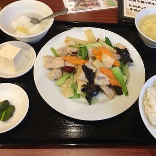 豚肉薄切りの辛子炒め (ランチ)(知味軒)