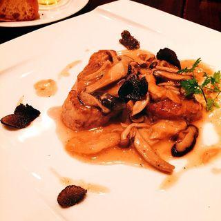 トリュフと最高級部位仔牛フィレ肉のポワレ 季節野菜のソテーと共に(バール・エ・リストランテ・タブリエ)