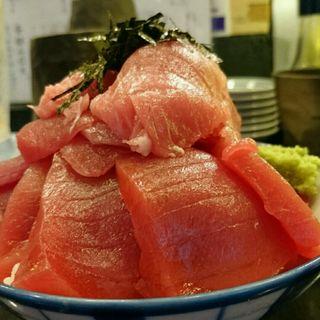 生まぐろ丼(魚と酒 はなたれ 新橋店)