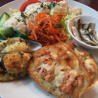 魚貝のマリネサラダ(スペイン料理 イビサ (IBIZA))