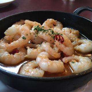 海老のアヒージョ(スペイン料理 イビサ (IBIZA))