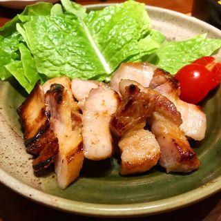 豚(おばんざいと純洋食 アイサニ)