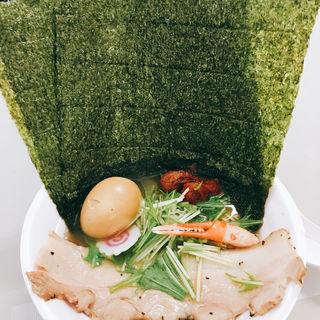 タラバガニズワイガニ毛ガニのトリュフ香る飛魚だしラーメン  のり 梅干し 味付け玉子の全部のせ(つじ田 ららぽーとEXPOCITY店 )