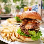 ハンバーガーを食べるなら薬院!ボリューミーで満足すること間違いなし