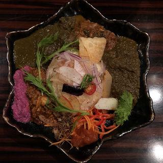 4種あいがけ(バガワーン・カレー)