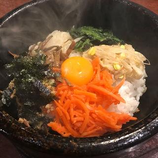 ランチBセットの石焼ビビンパ(韓国食彩 にっこりマッコリ そごう千葉店 )